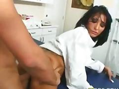 Porn: Arcraélvezés, Barnahajú, Tetoválás, Érett Asszonyok