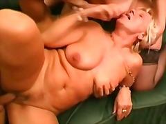 Porno: Mqmf, Amas De Casa, Abuelitas, Maduritas