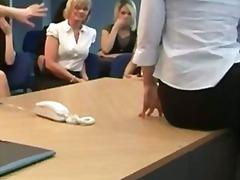 جنس: فتشية, بريطانية, نساء مسيطرات, نساء كاسيات ورجال عراه