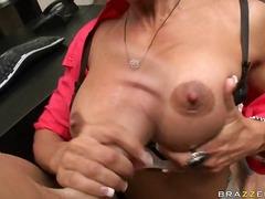 Порно: Хардкор, Великі Цицьки, Сексуальні Матусі, Член