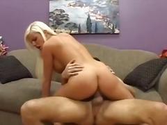Porno: Hardcore, Spermos Šaudymas, Oralinis Seksas, Sperma Ant Veido