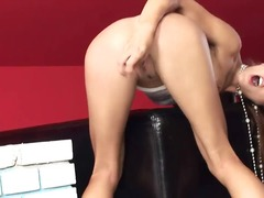 Porno: Femeie Durdulie, Penis Artificial, Camera Ascunsa, Nud