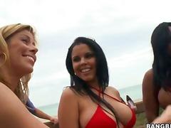 Porno: Chupando, Realidad, Playa, Madre Que Me Follaría