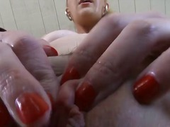 Порно: Бондаж, Дилдо, Чекия, Онанизъм