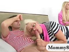Порно: Пиче, Орален, Тројка, Лижење