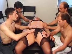 Pornići: Maca, Zrele Žene, Pušenje, Gangbang