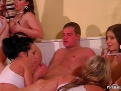 Porno: Morsom, Oralsex, Gruppesex, Mus