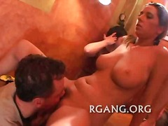 Porno: Ballīte, Grupas, Publiskais Sekss, Orālā Seksa