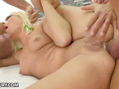 Porno: Hardkorë, Thithje, Threesome, Bjondinat
