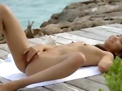 Porno: Sataşmaq, Asialı