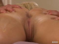 Porno: Qaralar, Ana, Sataşmaq, Sarışın