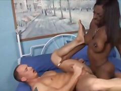 Porno: Oyuncaq, Kollec, Böyük Döşlər, Guy