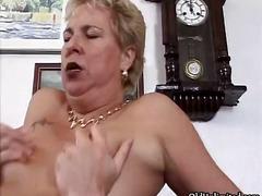 ポルノ: おばあちゃん, 熟女, ハードコア, フェラチオ