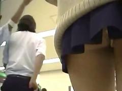 პორნო: იაპონელი, უნიფორმა, გარეთ, საზოგადო