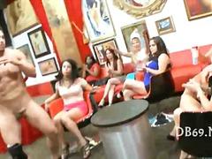 Porno: Vakarėlis, Nuogaliai Su Merginomis, Oralinis Seksas, Oralinis