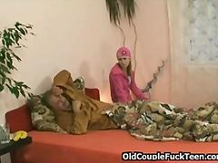 Porn: Սեքս Երեքով, Փրչոտ, Շեկո, Հասուն