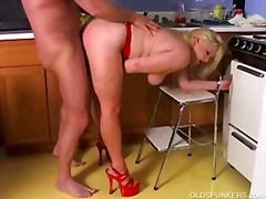 Porno: Smagais Porno, Mātes, Pusmūža Sievietes
