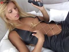 Porno: Tërheqëse, Masturbime, Loqkat, Dildo