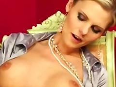 Porno: Rotaļlietas, Fetišs, Vibrators, Lesbietes