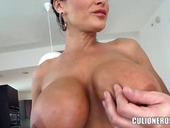 Porno: Store Kvinder, Brunetter, Tyskere, Live