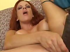 Porn: Sprevrženo, Igrača, Vstavitev, Dildo