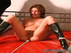 Porno: Masturbime, Sado Dhe Maho Skllavizëm, Sllave, Cicat