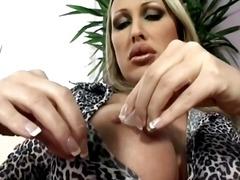 جنس: سيدات رائعات, قضيب جلد, بزاز, سحاقيات