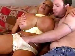 Porno: Sügavale Kurku, Rõngastamine, Tissid, Tissid
