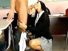 Porno: Milf, Studenti, Joshëse, Puma