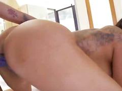 Porno: Speeltje, Grote Borsten, Lesbisch, Oraal