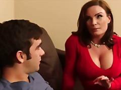 Porn: उन्नत वक्ष, मां, नौजवान मर्द संग