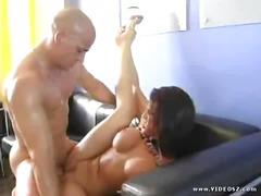 Phim sex: Người Đẹp, Vào Cổ Họng, Vú, Vào Cổ Họng