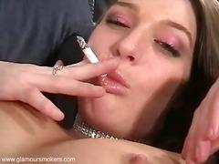 Porno: Suitsetamine, Mänguasi, Sukad