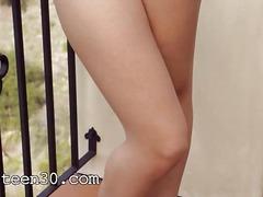ಪೋರ್ನ್: ಹದಿಹರೆಯದ ಸುಂದರಿ, ತುಲ್ಲಿನ ಕೀಟಲೆ