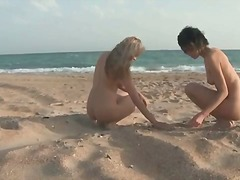 Porn: Na Plaži, Zunaj, Najstnica