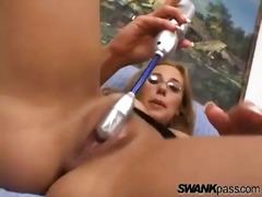 Porno: Shkon Sperma Skurril, Masturbime