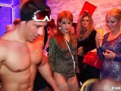 Lucah: Parti, Makan, Pantat, Porno Hardcore