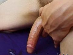 Porno: En Solitari, Masturbació, Tatuatges, Estirant