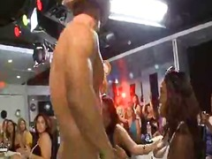 Porn: समूह, काम करना, आकर्षक महिला, असभ्य