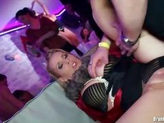 جنس: نيك قوى, حفلة, جوارب طويلة