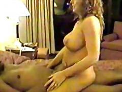 ポルノ: 美熟女, フェラチオ, 黒人, ホテル