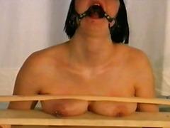 Porn: Amarrada, Escravidão