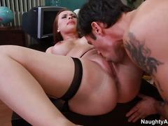 ポルノ: 大きな尻と巨乳, ハードコア, おっぱい, 自然な巨乳