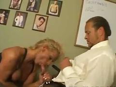 Porno: Tío, Rubia, Transexual, Oral
