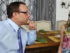 Porno: Thatanike, Tradhtia, Gruaja, Mësuesja
