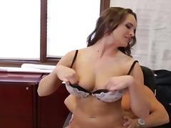 Porn: Velike Prsi, V Pisarni, Fafanje, Kosmata Muca
