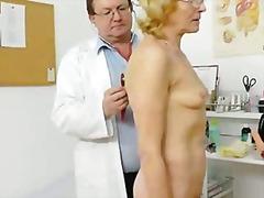 פורנו: משקפיים, רזה, מוזר, רפואי