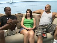 Porn: एकपर दो महिलायें, काले बाल वाली