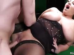 Porn: खूबसूरत विशालकाय महिला
