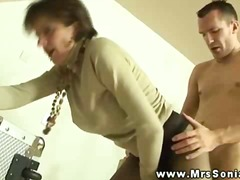 Porno: Kalqotkada, Yaşlı, Böyük Döşlər, Fetiş